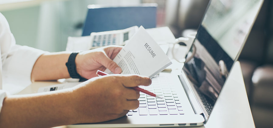 When You're Reviewing Resumes, Here's What You Should Focus On